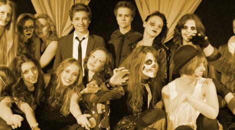 11. 11. 2013  •raise the curtain show